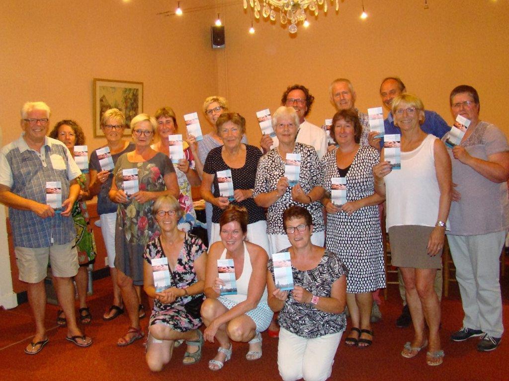 Vrijwilligers Noaberhulp blij met nieuwe folder